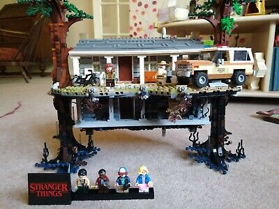 Lego Stranger Things The Upside Down (75810), Full Set With Instructions • 75£