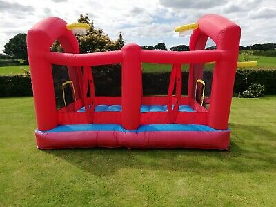 Bouncy Castle / Basketball Court / Out Door Soft Play / Summer Holiday Fun. • 23£