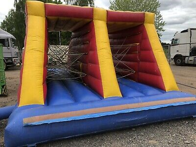 Bungee Tunnel Bouncy Castle  • 102£