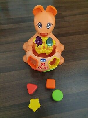 Chicco Sing & Learn Bilingual Kangoroo Engl/French- Musical Color & Shape Sorter • 15£