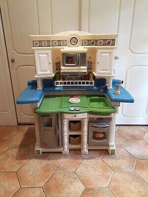 Step 2 Children's Play Kitchen  • 67.30£