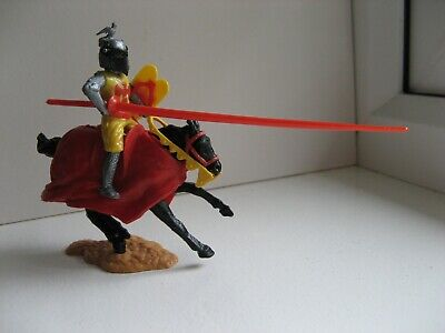 Timpo - Mounted Jousting Knight. • 15£