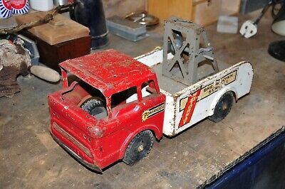 Vintage Large Tin Tow Truck • 35£