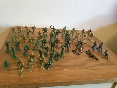 Bundle Of 53 Green, Tan And Grey Toy Plastic Soldiers - Bundle  / Joblot • 1.99£
