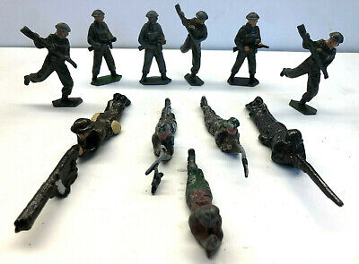 Collection Of 11 Vintage Lead Painted Ww11 Soldiers - No Reserve • 0.99£
