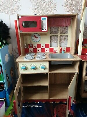 Wooden Childrens Play Kitchen And Accessories  • 24.30£