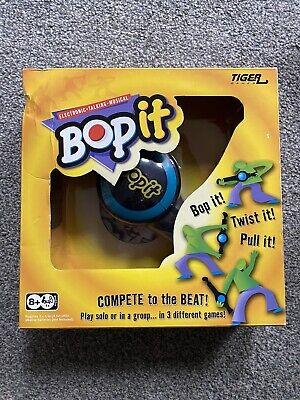Bop It Original By Tiger Handheld Game Blue & Yellow Boxed With Instructions • 11.90£