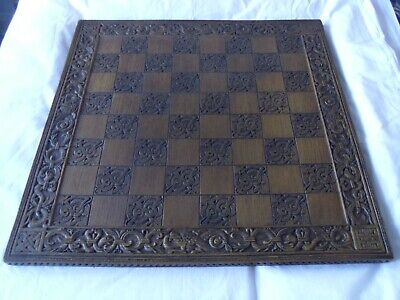 ALICE IN WONDERLAND Beautiful Carved Chess Board  • 49.95£