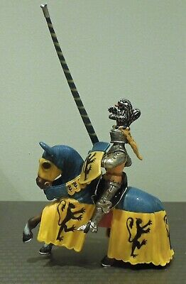 Schleich Retired Mounted Blue And Yellow Jousting Knight On Horse (cat No 70020) • 10£