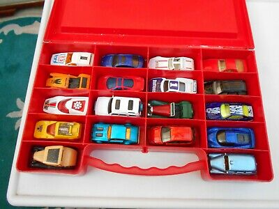 Matchbox Carry Case And 18 Diecast Models  • 12.99£