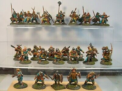 32 Figures. Barbarian Warband. Painted • 20£
