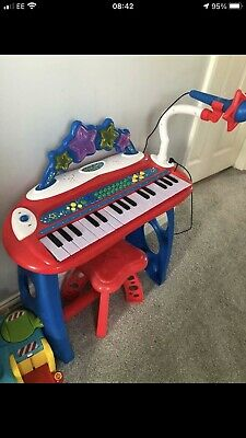 Childrens Keyboard And Piano • 10£