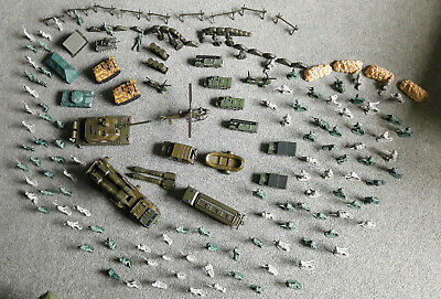 Selection Of Plastic Toy Soldiers And Army Vehicles. Good Condition. • 6.50£