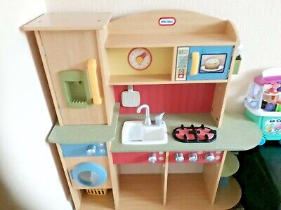 Wooden Play Kitchen • 55£