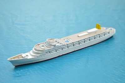 Triang Minic Ships  M.715 Canberra • 24.95£