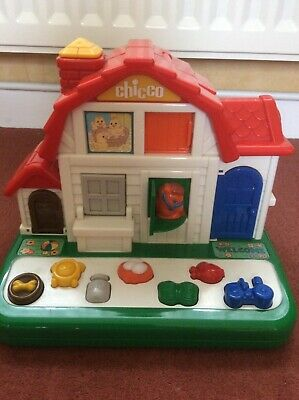 Chicco Farmhouse With Button-opening Doors And Animal Sounds • 3£