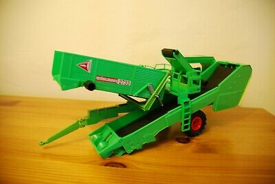 1:32 SIKU 3856 WUHLMAUS 2733 POTATO DIGGER / Harvester With Working Features • 7.05£