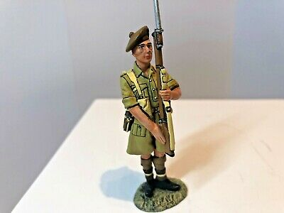 EA33, 8th Army, Scottish Soldier Presenting Arms • 5.70£