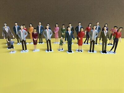 1/32 Scale - 20 Standing Painted Figures - Scalextric SCX Ninco Slotcar Scenic  • 17.25£