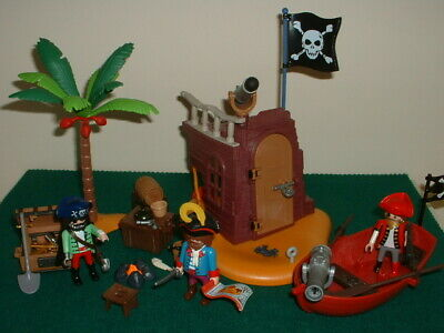 Playmobil Castle Pirates, Ship Wreck Pirates Camp + Accessories. • 14.50£