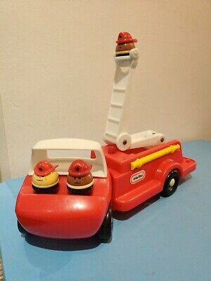 Vintage Little Tikes Red Fire Truck With 3 Firemen • 30£