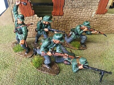 5 Airfix 1 32 German Infantry WW2 Figures, Carefully Painted. • 12.50£