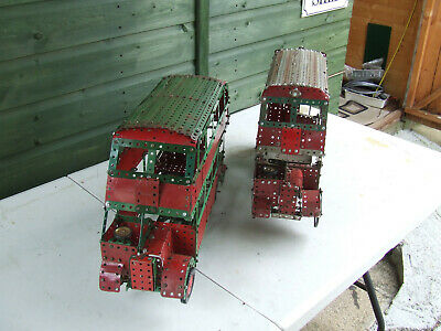Two Old Meccano Busses • 20£