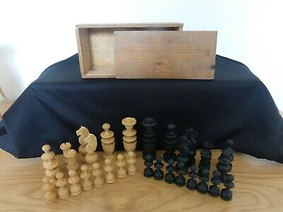 Vintage Boxed Set Of Wooden Chess Pieces. Complete. • 15£