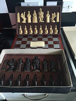Studio Anne Carlton Tudor Kings And Quens  Chess Set Boxed With Board • 25£
