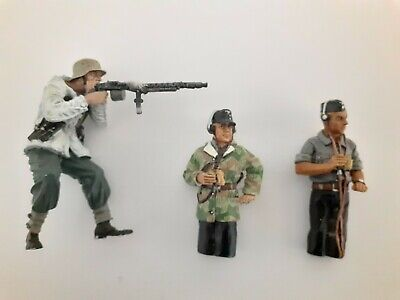 1/30  Ww2 Assorted Figures On Decent Condition • 5.50£