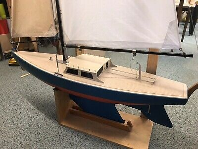 Radio Controlled Model Sailing Yacht • 80£