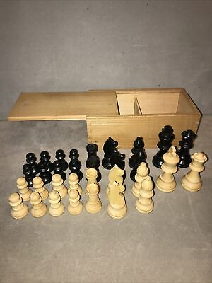 Wooden Chess Pieces - 32 Pieces In Wooden Storage Box • 5.50£