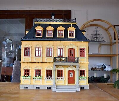 Large Playmobil Victorian Mansion House, Inc. People And Furniture • 79.99£