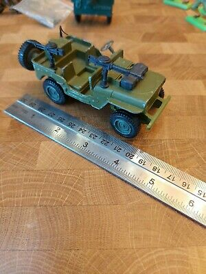 Dinky Toys U.S. Jeep Complete With Guns And Spare Wheel. Green • 1.20£