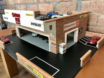 Wooden Model Garage/Showroom 1:43 Scale ** PLEASE NOTE - COLLECTION ONLY ** • 65£