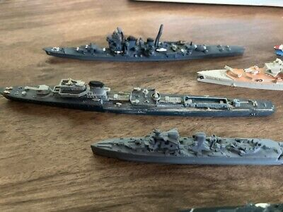 5 Ships Including 4 Die Cast/one Plastic  model Warships In Great Condition • 17£
