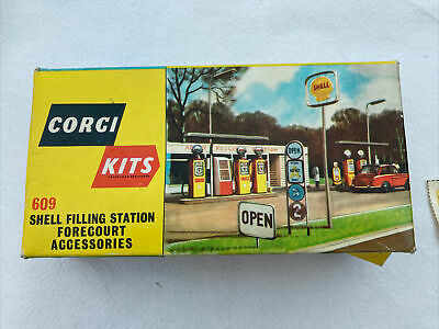 Vintage Corgi Kits 609 Shell Filling Station. Rare Find From The 1960's • 50£