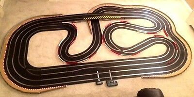 Scalextric Sport (WEMBLEY STADIUM) Very Large Layout With Lap Counter & 2 Cars* • 370£