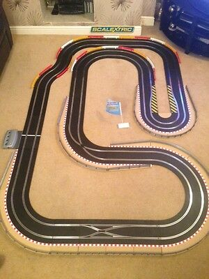 Scalextric Digital Large Layout With Hairpin & 2 Digital Cars Set • 295£