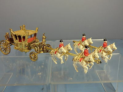 CRESCENT TOYS  MODEL No.1301  ROYAL  STATE COACH   & HORSES   • 40£