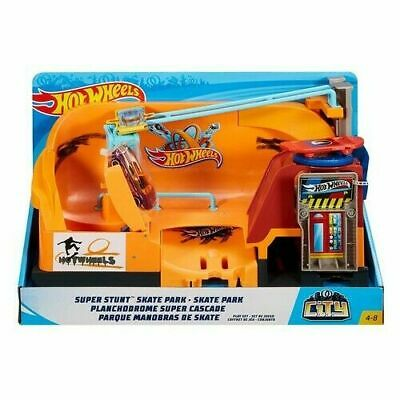 Hot Wheels City Skate Park Playset Lets Kids Launch Their Car & Perform Cool • 27.99£