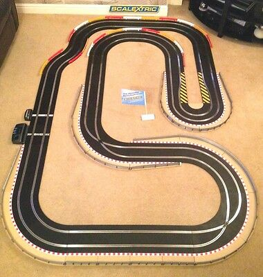 Scalextric Sport Layout With Lap Counter & Hairpin & 2 Cars (Digital Compatible) • 195£