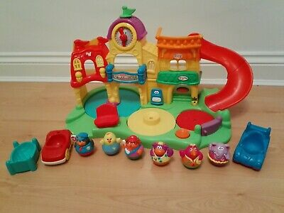 Playskool  Weebleville Town Playset With 6 Weebles & Accessories • 21.50£