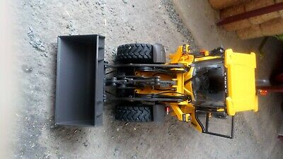 At Collections 1/32 Volvo L60h Loading Shovel • 103£