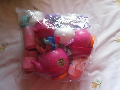 Childs Bag Play Cups,Teapot Cutlery Etc • 2.50£