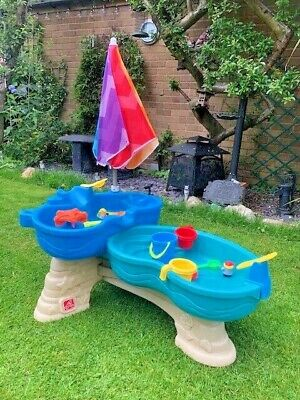 Step 2 SAND AND WATER PLAY TABLE WITH PARASOL • 15£