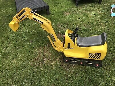 Junior Roadbuilder Excavator - Battery Operated • 7.25£