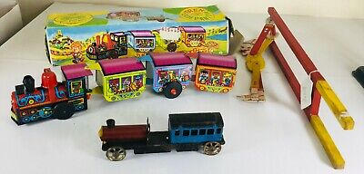 Job Lot Of Tin / Metal & Wooden Vintage Toys Inc Train Lorry & Clown • 4.99£