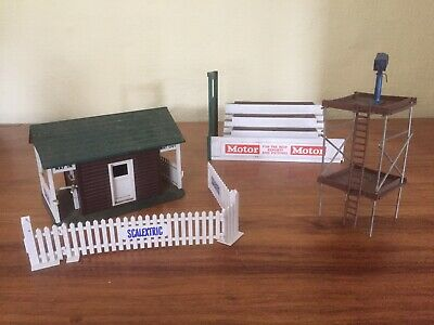 Vintage 1960 Scalextric Tri-ang Entrance Building, Grandstand, TV Tower Used • 13£
