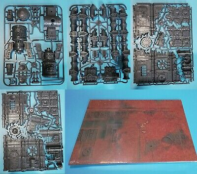 Warhammer 40K Terrain And Battle Mat From Command Edition (4 Sprues + Mat) • 37.75£